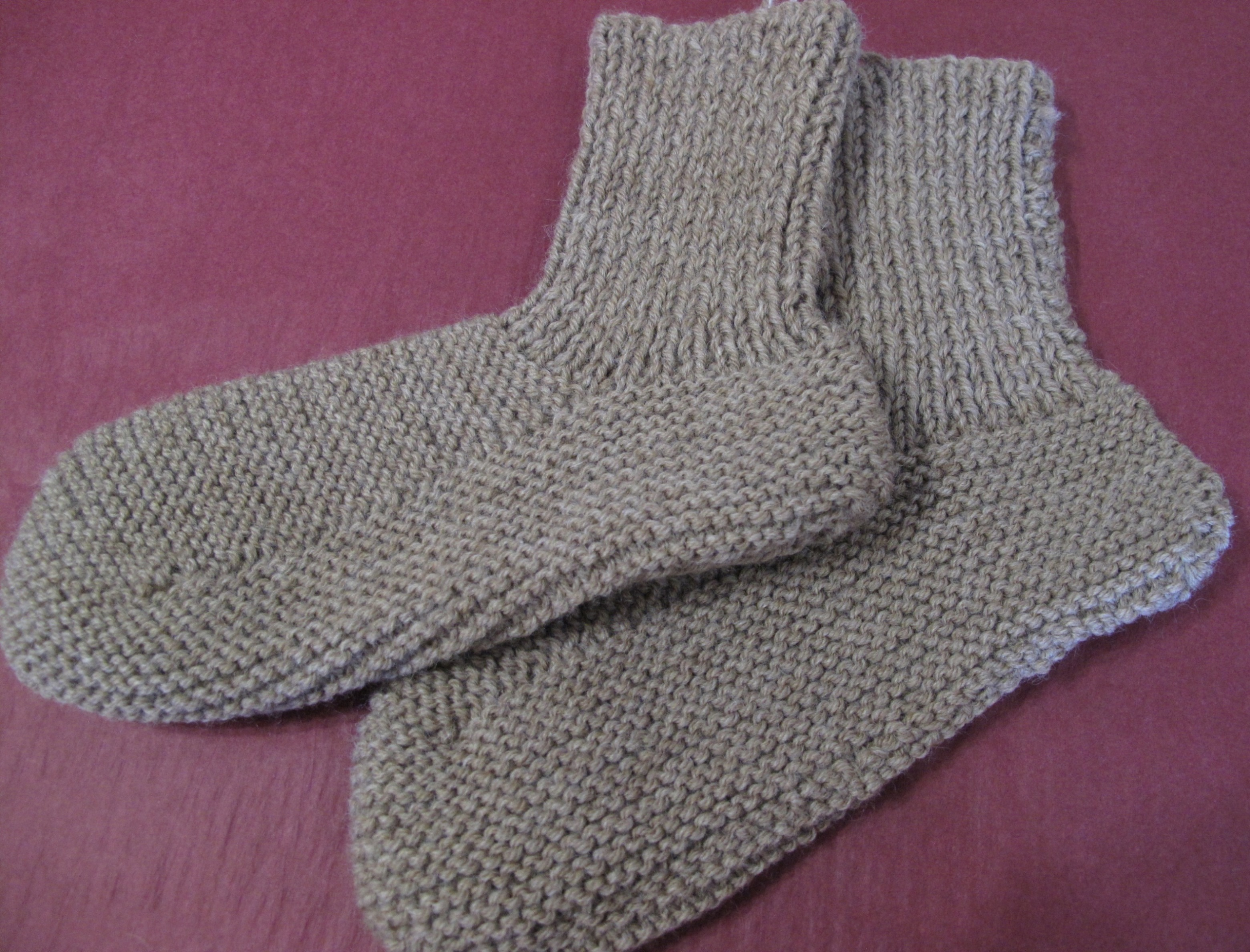 Knitted bedsocks