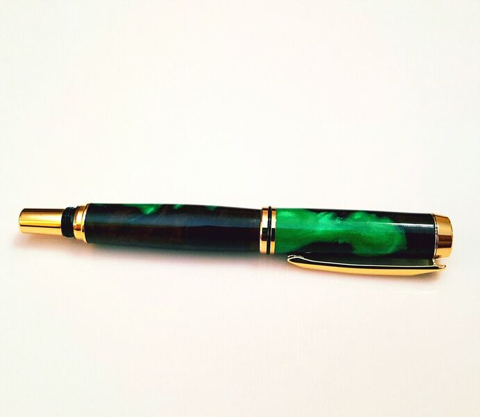 Burl with Green Resin Pen