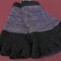Knitted fingerless gloves