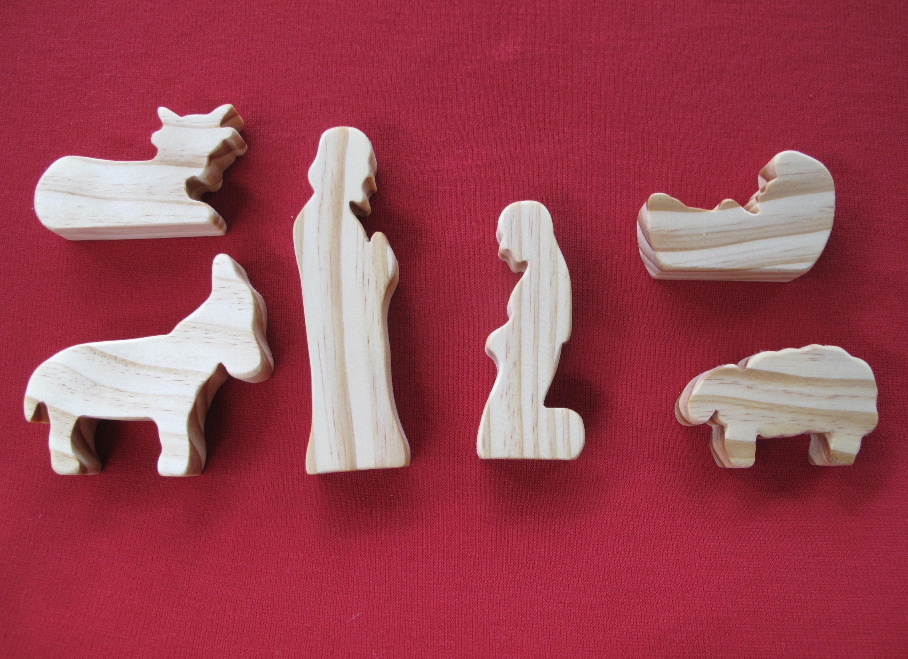 Wooden Nativity Setting 19mm (laid out view)
